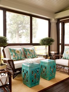Sun Room Idea, tie in the turquoise...