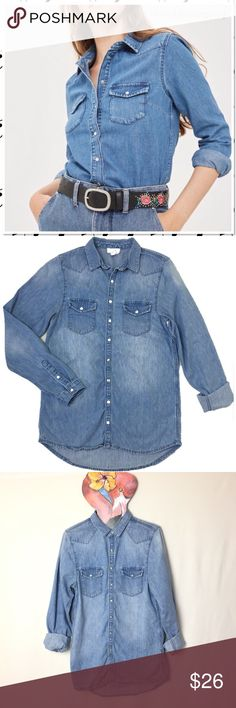 Topshop Medium Wash Western Snap Button Denim Top Topshop Medium Wash Western Snap Button Denim Shirt. Denim chambray shirt in a light denim with snap buttons, 2 breast pockets, shoulder panels and a curved back yoke. Sleeves look great buttoned or rolled up. Slight hi/lo hem can be worn long tunic style or tucked in.  Size 4 but works for a size 2 in an oversized fit. P226 Topshop Tops Button Down Shirts