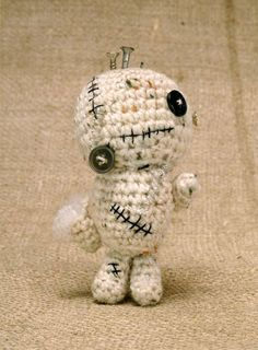 Free Amigurumi Zombie Pattern - cute for Halloween!