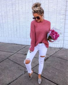Outfits With Vans – Lady Dress Designs Ripped Jeans Outfit, White Ripped Jeans, Sweaters And Jeans, Sweaters For Women, Summer Sweaters, Cozy Sweaters, Lila Jeans, Rosa Pullover, Fall Outfits