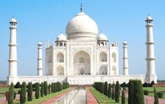 It's ‪#‎WorldHeritageDay‬ so let's enjoy a picture of our favorite site the magnificent ‪#‎TajMahal‬  ‪www.soexflora.com‬