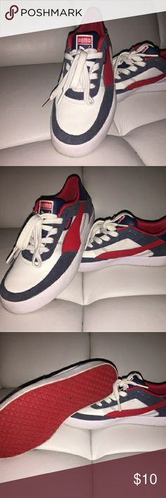 Puma Sneakers sz5 rePosh. Great condition see photos. these are a size 5 kids or size 7 women. No showbox included but will be shipped in a box. Puma Shoes Sneakers