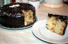 Oddělíme žloutky od bílků a z bílků vyšlehéme tuhý sníh. Ke žloutkům přidáme cukr a vanilkový cukr a vyšleháme do pěny. Pak postupně zašleháváme… French Toast, Pudding, Breakfast, Food, Basket, Morning Coffee, Custard Pudding, Essen, Puddings