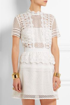 White guipure lace Hook and zip fastening at back 77% polyester, 23% polyamide; lining: 95% polyester, 5% spandex Dry clean