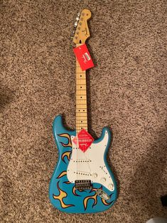 Fender Stratocaster, Fender Guitars, Gibson Guitars, Fender Bass, Fender Electric Guitar, Cool Electric Guitars, Guitar Art, Cool Guitar, Camp Flog Gnaw