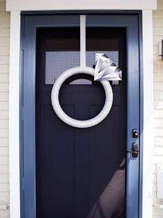 This Giant Diamond Ring Is The Perfect DIY Bridal Shower Door Decor! OMG, how cute is this giant DIY diamond ring wreath! Bridal Shower Party, Bridal Shower Decorations, Bridal Showers, Wedding Door Decorations, Bridal Shower Wreaths, Bridal Luncheon, Diy Diamond Rings, Emerald Rings, Ruby Rings