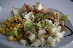 Receta de ensalada de manzana y queso con vinagreta de almendras. Comida sana