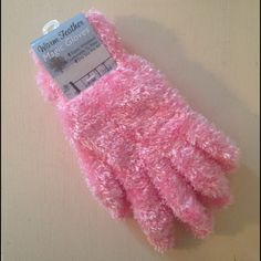 Pink Gloves Brand new Warm Feather Magic Gloves. Soft and cozy! Accessories Gloves & Mittens