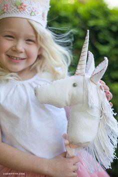 Make a Felt Stick Unicorn for Your Little Princess (printable pattern + tutorial)