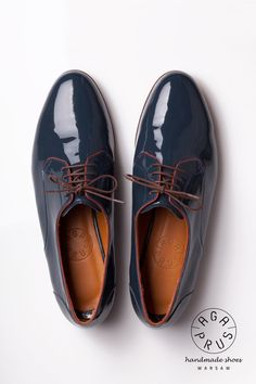 lacquered leather Derby Shoes by Aga Prus Dandy, Showroom, Shoes Photo, Derby Shoes, Aga, Pretty Shoes, Simple Outfits, Boat Shoes, Oxford Shoes