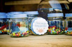Great idea for favors - Edible aquarium with seashell chocolate, fish dummies