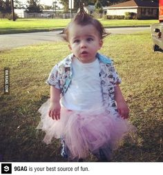 @Stacy Stone Stone Stone Haynes I think this should be Sam's next costume...he has the hair! Ace Ventura baby cosplay