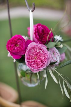 The mixed pink shades of #DavidAustinRoses' Carey and Miranda #weddingroses can form an enchanting #weddingentrance to warmly welcome guests. Ask your floral designer to incorporate a rose-filled entry way to allure and charm friends and family.
