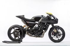 """Two weeks ago you could see the """"real life"""" pictures of the Honda CB4 """"Neo Sports Concept"""" here at the blog. This is a production ready bike to get a piece of the market in neo-classic/retro bikes. But Honda is not only showing production models this year. Honda will also reveal their Honda CB4 Interceptor; …"""