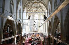 Kaalslag in de kerk - Kerk als openbare bibliotheek (Zutphen).