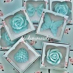 HEDİYELİK SABUN & KOKULU TAŞ : Nikah şekeri yerine nikah sabunları... Soap Wedding Favors, Soap Favors, Soap Gifts, Decorative Soaps, Soap Carving, Girl Baby Shower Decorations, Homemade Soap Recipes, Soap Packaging, Glycerin Soap