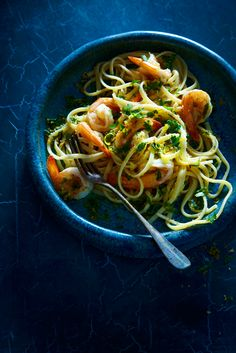Linguine with prawns and lemon gremolata crumb