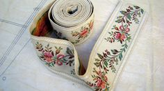 vintage woven ribbon trim with flowers Modern Baroque, Band, Haberdashery, Vintage Flowers, French Vintage, Pink And Green, Sewing Projects, Ribbon, Embroidery