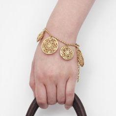 Isharya Isharya, Gold Jewelry, Bracelets, Fashion, Moda, Fashion Styles, Gold Jewellery, Bracelet, Fashion Illustrations
