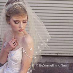 brides veil with pearls