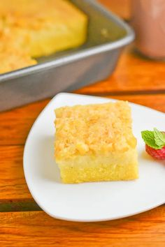 This version of the popular cornbread bibingka consists of three layers: cornbread at the bottom, bibingka in the middle and the creamed corn on top. Filipino Dishes, Filipino Desserts, Asian Desserts, Filipino Recipes, Filipino Food, Asian Recipes, Pinoy Food, Asian Snacks, Easy Desserts