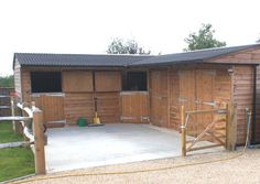 Image from http://www.primestables.co.uk/wp-content/uploads/2-stables-hay-barn.jpg.