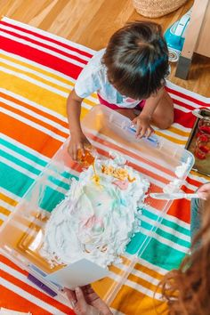 Toddler Camp: Rainbow Day (Themed Activities and Crafts) | studiodiy.com