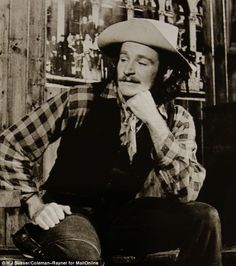 Genius: James Dunn said Robin Williams was his star pupil and cast him as Tranio in a Wild...