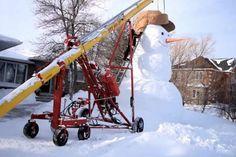 Когда нечего делать: канадская семья построила шестиметрового снеговика http://joinfo.ua/inworld/1195878_Kogda-nechego-delat-kanadskaya-semya-postroila.html