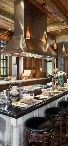 View rustic kitchens designed by the best rustic interior designers. From farmhouse kitchens to log homes and cabins with rustic kitchen ideas & tips. Rustic Kitchen Design, Farmhouse Style Kitchen, Country Kitchen, Kitchen Designs, Kitchen Ideas, Glass Kitchen, Wooden Kitchen, New Kitchen, Island Kitchen