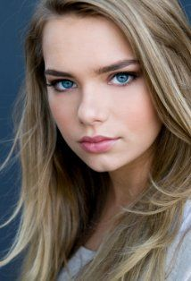 Indiana Evans Picture
