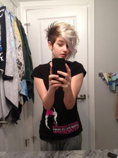 punk hairstyle for girls - Buscar con Google