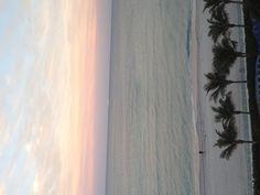 Navio Cruzeiro saindo de Fort Lauderdale indo para as Bahamas, passando por Hollywood, Florida. Vejamiami.com - o Guia de Compras e Diversões em Miami. Imagem:Vejamiami.com