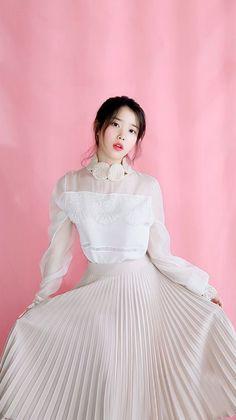 K-Pop Babe Pics – Photos of every single female singer in Korean Pop Music (K-Pop) Korean Women, Korean Girl, Asian Girl, Iu Fashion, Korean Fashion, Korean Celebrities, Celebs, Korean Actresses, Korean Beauty