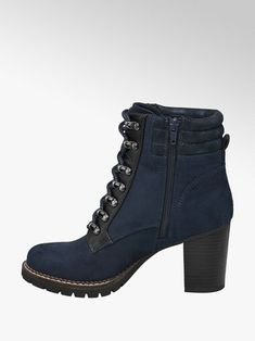 8e7d584116605 Winter Outfits, Winter Clothes, Athletic Shoes, Pretty Dresses, Me Too  Shoes,