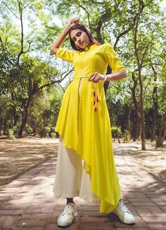 25 Best Kurti Neck Designs For Women 2020 [Latest] - Latest Fashion Styles & Trends<br> New Kurti Designs, Kurta Designs Women, Kurti Designs Party Wear, Designer Party Wear Dresses, Indian Designer Outfits, Stylish Kurtis Design, Sleeves Designs For Dresses, Indian Gowns Dresses, Dress Indian Style