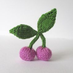 Pink Cherries Free Knitting Pattern by Amanda Berry. You can knit these cherries as play food, or make into jewellery. Free Pattern (website requires log in for free pattern) More Patterns Like This! Knitting Blogs, Knitting Patterns Free, Knit Patterns, Free Knitting, Knitting Projects, Free Pattern, Knitting Needles, I Cord, Knitted Flowers