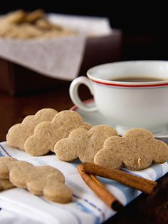 Skořicové sušenky Czech Recipes, Brownie Cookies, Desert Recipes, Christmas Baking, Homemade Gifts, Biscotti, Gingerbread Cookies, Crackers, Ham
