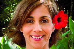 Δάφνη Σούμαν, συγγραφέας, μιλάει στην Μαίρη Ζαχαράκη