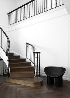A fabulous style update has given this French-influenced Sydney home great looks and even better liveability. Modern Family, Home And Family, Elton John Aids Foundation, Australian Homes, Neutral Palette, Facade House, Minimalist Interior, Luxury Apartments, Stairways