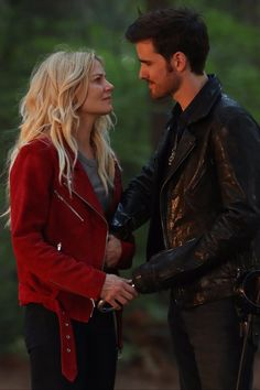 Drop Everything — Hook and Emma Might Be Expecting a Baby on Once Upon a Time