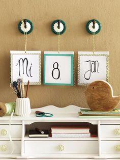 Dieses Trio haben wir selber gestaltet und stellt einen Kalender dar, dessen Elemente jeweils umgeklappt werden können.