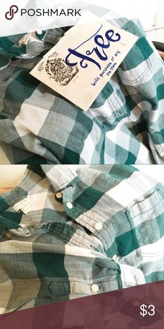 FREE J.CREW FACTORY POPOVER SHIRT, SIZE S Free with any purchase. This is not for sale separately. Bundle this with any other item from my closet. Make an offer using the other items price. One free item per purchase. Thx J. Crew Tops Button Down Shirts