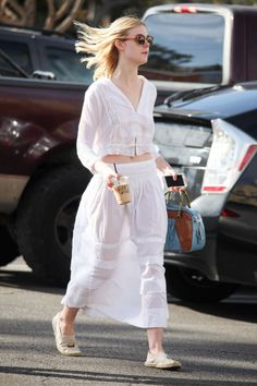 Elle Fanning – Out and about in Studio City Ellie Fanning, Fanning Sisters, Dakota And Elle Fanning, Girl Celebrities, Celebs, Elle Moda, Kim Kardashian, Fashion Models, Fashion Outfits