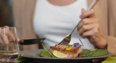 Πώς να φας υγιεινά σε fast food και εστιατόρια! | ediva.gr Food, Essen, Meals, Yemek, Eten