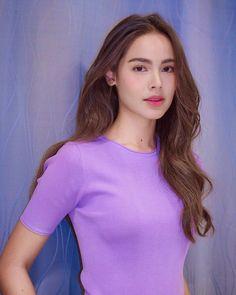 ស្អាតដូចគំនូរ💜 Beautiful in purple Repost The lighting was bad but i have a magic wand. Fashion Cover, Love Fashion, Hot Japanese Girls, Ulzzang Korean Girl, Beautiful Actresses, Pretty Hairstyles, Malta, Beauty Women, Asian Beauty