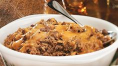 Enjoy this scrumptious wild rice and beef casserole packed with cheese and tomato – a delicious dinner. Can substitute ground turkey for beef. Beef Casserole Recipes, Vegetable Casserole, Steak Casserole, Rice Casserole, Ground Beef Rice, Ground Beef Recipes, Ground Turkey, Wild Rice Recipes, Quick Recipes