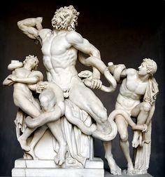 """Laoconte y sus hijos ca. 25 a.C. (Agesandro, Atenadoro, Polidoro)Mármol, 210cm de alto se encuentra en las Galerías y Museos Vaticanos."""" Seguido por una legión de hombres, Laocoonte bajó corriendo de la fortaleza y gritço a lo lejos: ¡Pobres ciudadanos! ¿Qué furia reina aquí? ¿Qué, si no la locura ha poseído vuestras mentes?"""" Virgilio –La Eneida."""