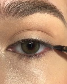 eyeliner styles for big eyes . eyeliner styles for hooded eyes . eyeliner styles simple step by step . eyeliner styles different Makeup Eye Looks, Eye Makeup Tips, Cute Makeup, Eyeshadow Looks, Eyebrow Makeup, Skin Makeup, Makeup Eyeshadow, Makeup Ideas, Awesome Makeup