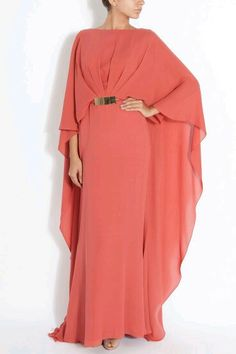 A high neckline, gold waist belt accent and irresistible coral colour make for a wonderfully unregreattable investment. Islamic Fashion, Muslim Fashion, Modest Fashion, Fashion Dresses, Elegant Dresses, Cute Dresses, Beautiful Dresses, Abaya Mode, Hijab Stile